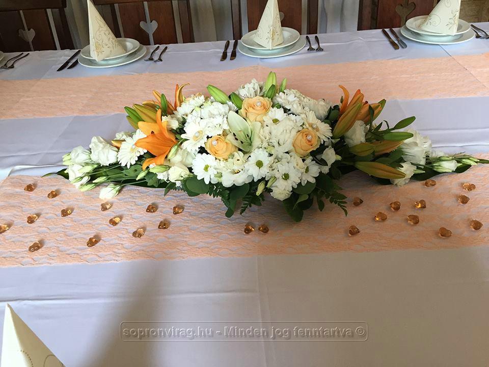 5b8b4682d7 Esküvői asztaldísz